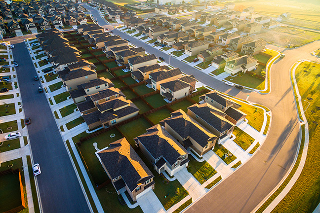 Florida condominiums and homeowners' associations