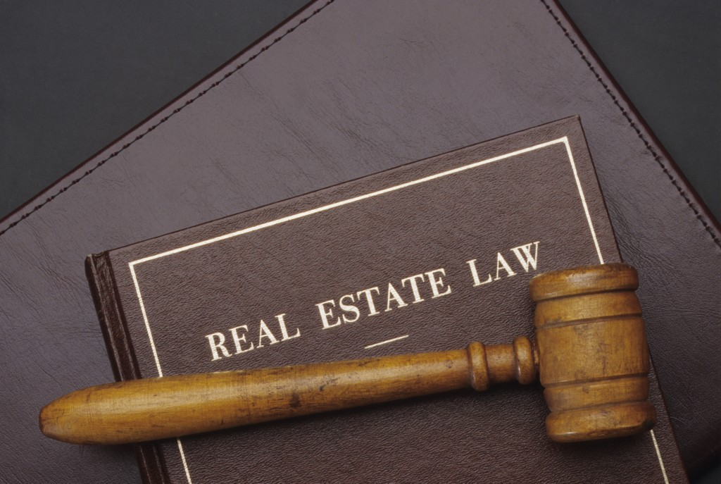 real estate lawyer